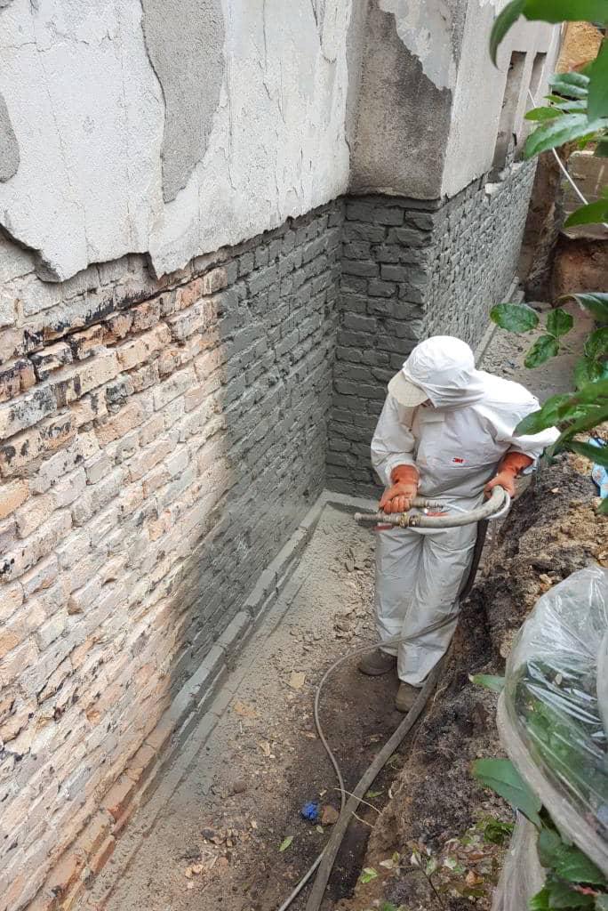 izolacja fundamentów w starym domu